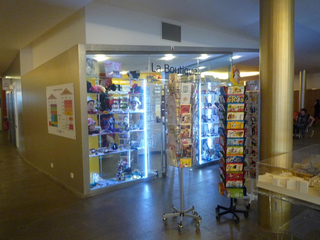 bénévolat-hôpital-Bichat-boutique-MAEH