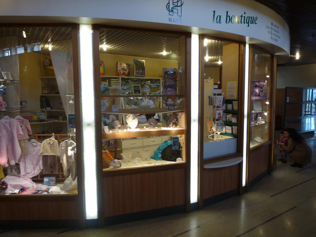bénévolat-hôpital-Louis-Mourier-boutique-MAEH_2