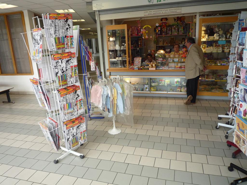 bénévolat-hôpital-Debré-boutique-MAEH_3